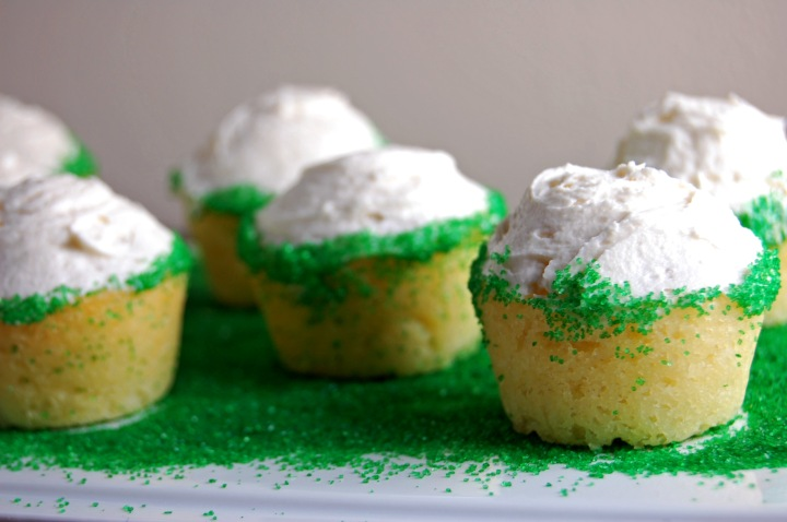 Em the Baker: Gluten Free Mini Vanilla Cupcakes with Vanilla Buttercream Frosting