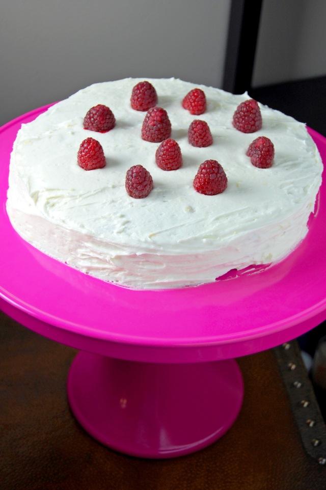 Gluten Free Lemon Raspberry Cake {gluten free and oh so perfect for Spring!} | emthebaker.com