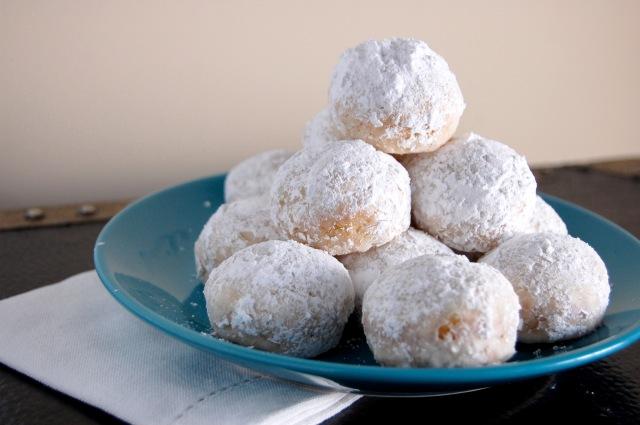 Gluten Free Powdered Sugar Donut Holes {baked not fried!} | emthebaker ...