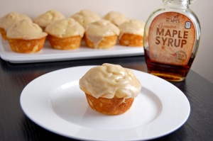 Gluten Free Maple Yogurt Cupcakes {soft maple cakes topped with a sweet maple glaze, heavenly!} | emthebaker.com